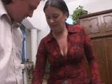 Magyar nagyi imádja, ha a szájába hugyoznak